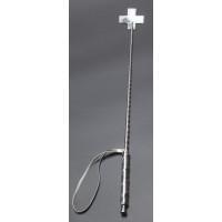 Серебристый стек с наконечником-крестом из искусственной кожи - 70 см.